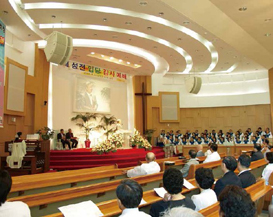 The final choice of SUJI GALILEE church in South Korea-Clair Brothers CAT114 curve array